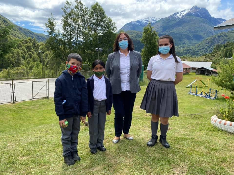 Se licenció estudiante escuela rural Río Azul