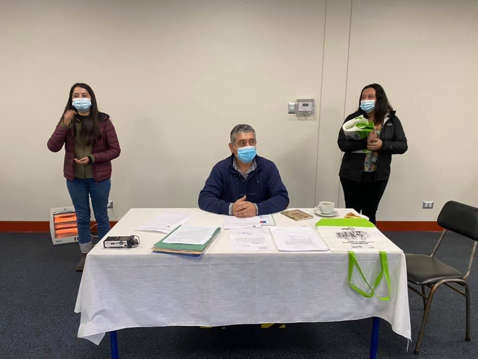 FUNCIONARIOS/AS PUBLICOS DE FUTALEUFÚ SE CAPACITAN EN LENGUA DE SEÑAS